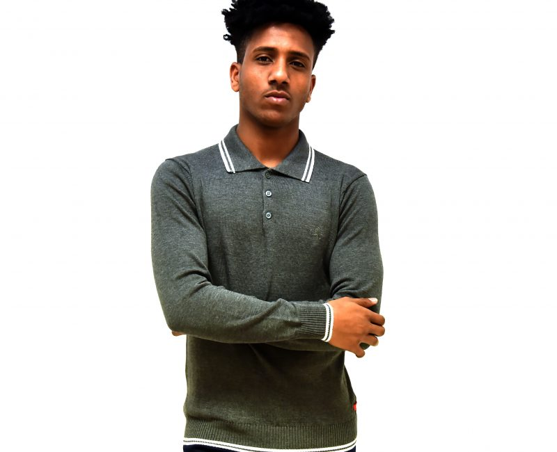 Best Lightweight Grey 3 Button Jumper